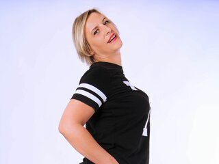 Show LuisaCute